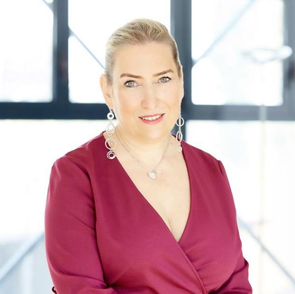 Claudia Segre